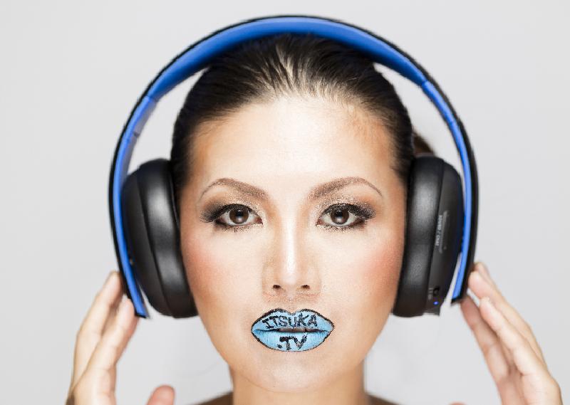 itsuka_headphone_eyeopen_fix_small-1